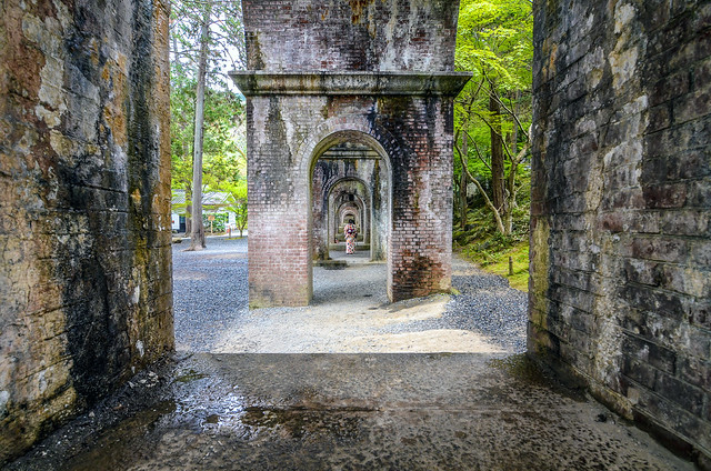 Nanzen-ji under aqueduct
