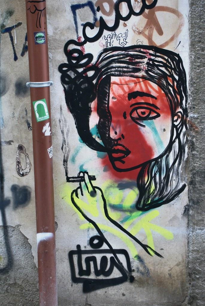 Street art à Naples : La femme à la cigarette