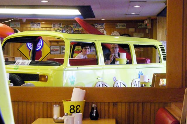 Kelly & '73 Bus Breakfast (3), Nikon COOLPIX L12