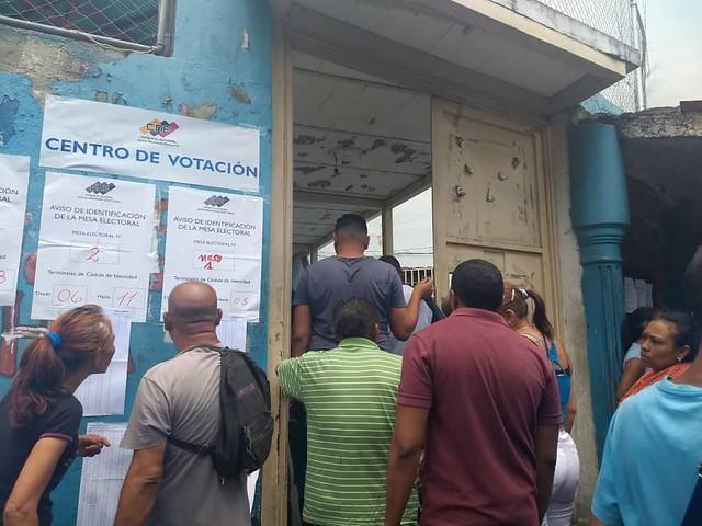 Eleições venezuelanas finalizam em clima pacífico nas ruas do país