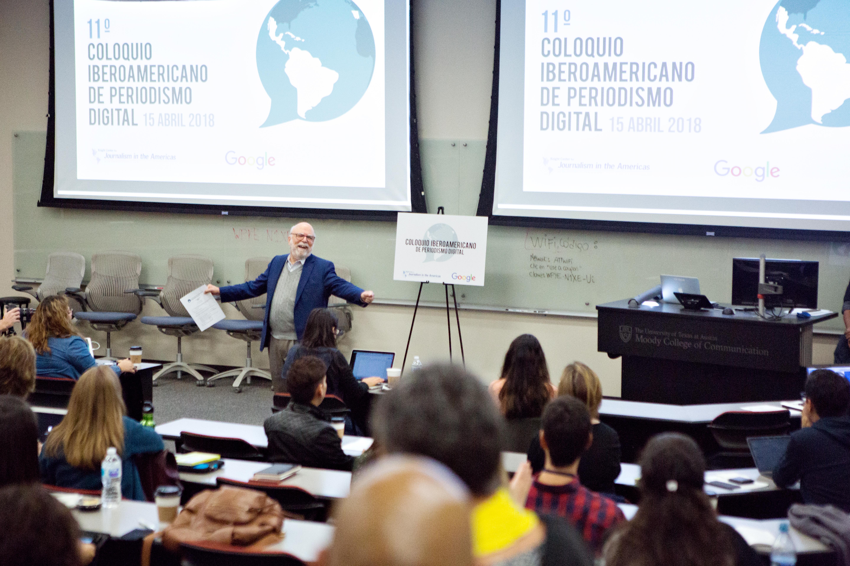 Rosental C. Alves, fundador y director del Centro Knight para el Periodismo en las Américas de la Universidad de Texas en Austin, inaugurando el 11 de Coloquio Iberoamericano de Periodismo Digital. (Foto: Mary Kang)