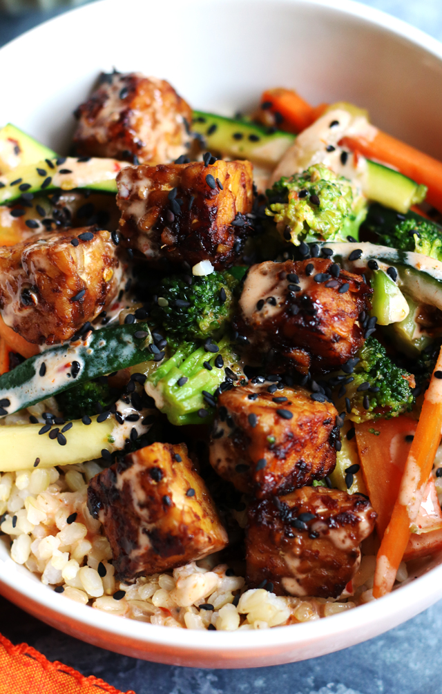 Korean Tempeh Bowls with Broccoli, Brown Rice, and Sriracha Mayo