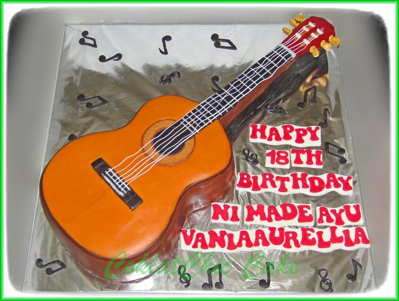 Cake Gitar VANIA AURELLIA 15 cm