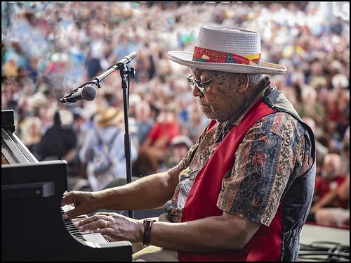 Ellis Marsalis on Day 7 of Jazz Fest - May 6, 2018. Photo by Marc PoKempner.