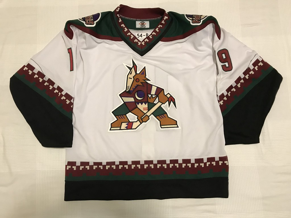 1997-98 Shane Doan Phoenix Coyotes Home Jersey Front