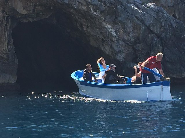 La troupe di Linea Verde alla grotta Azzurra