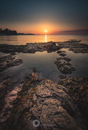 goodringtonsandsbeach morning sunrise torbay paignton nikon d750 fullframe fx seascape lowtide rocks sea southdevon rtaphotography koodfilters 09 3stop graduatedfilter calm outdoors nature sun