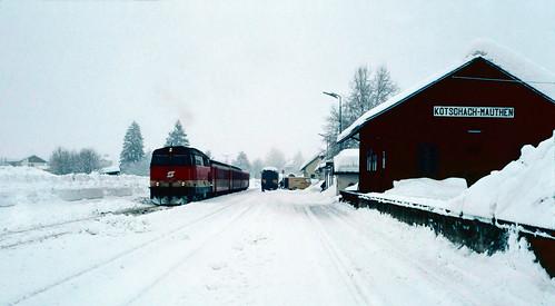 2043 070 at Kötschach-Mauthen, Austria. 11/2/91.