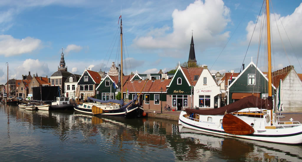 Village near Amsterdam to visit: Monnickendam | Your Dutch Guide