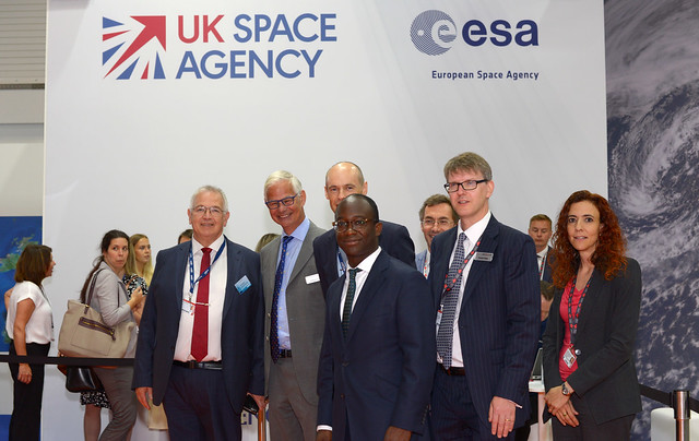 Sam Gyimah, Minister for Universities, Science, Research and Innovation visiting the Space Zone at FIA 2018