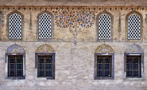 windows decor decoration architecturaldetails architecturaldecor architecture buildings mosques paintedmosque monuments wall textured travnik bosniaandherzegovina balkans travel