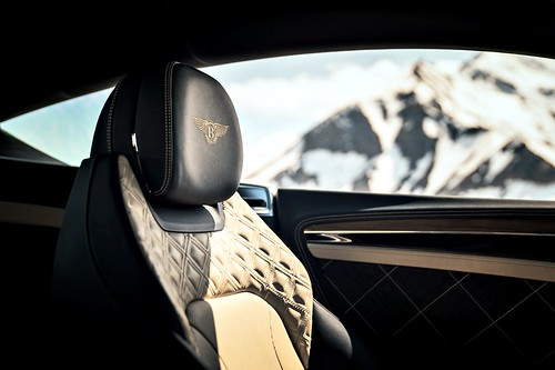 Bentley Continental GT (圖12)- 全新雙菱形絎縫座椅