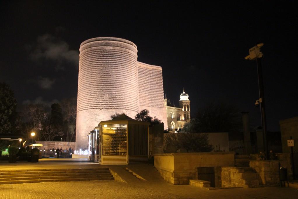 Баку, заключительная - ночной обзор