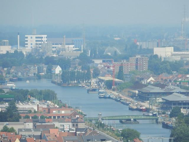 uitzicht op toren Sint-Baafskathedraal: Tolhuisdok