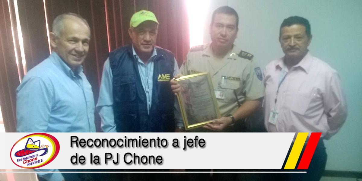 Reconocimiento a jefe de la PJ Chone