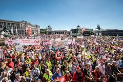 Demo gegen den 12-Stunden-Tag