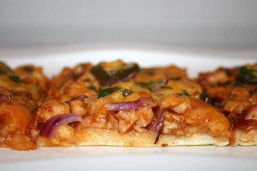 24 - Chicken Jalapeño BBQ Pizza - CloseUp