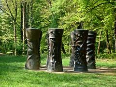Sept colonnes à Stéphane Mallarmé,Parc des sculptures au domaine de Kerguéhennec