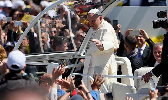 visita papa francesco e associazioni volontariato 188