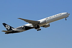 Air New Zealand Boeing 777-319(ER) ZK-OKM LHR 30-06-18