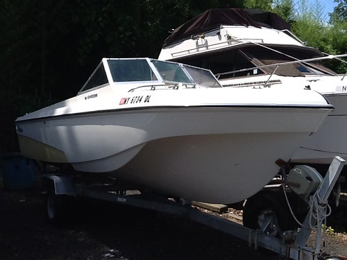 1972 Wellcraft 180 airslot Hull in Excellent Condition Original Owner, NEEDS MOTOR WORK, new fold down seats, Bimini top, storage cover, truly excellent, a must see.  Type: Power Year: 1972 Length: 18′  City: St James State: New York Engine: Evinrude Engi