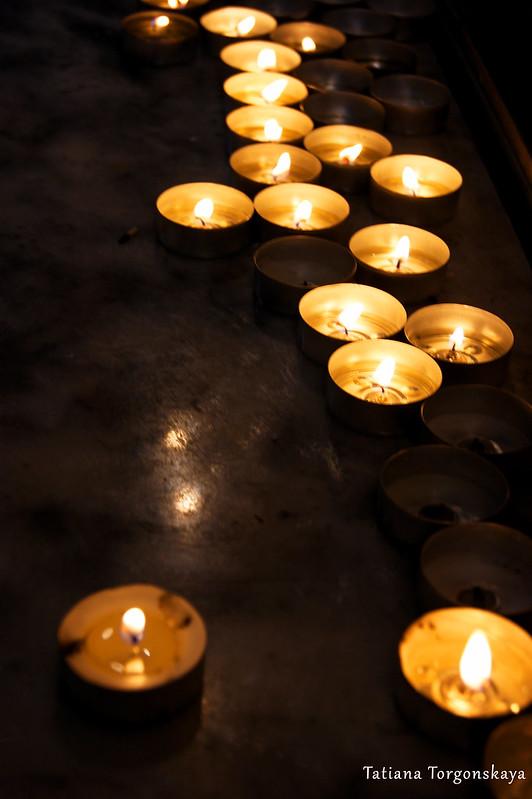 Свечи в церкви Св. Клары