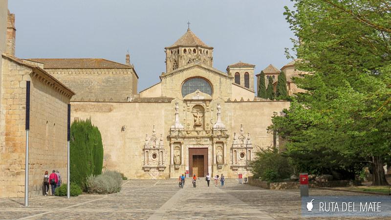 Pueblos de Cataluña Monasterio Poblet 01
