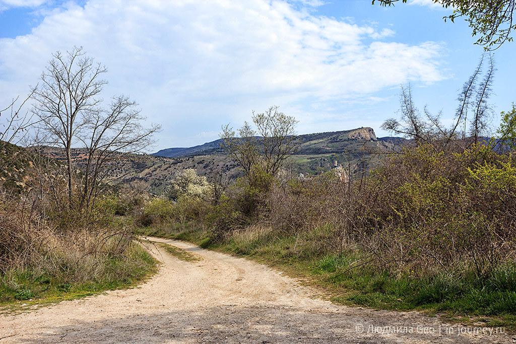 гравийная дорога к скале мытилино