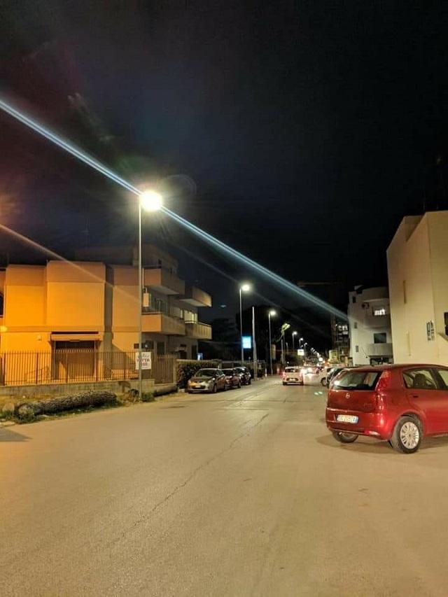 Noicattaro. illuminazione intero