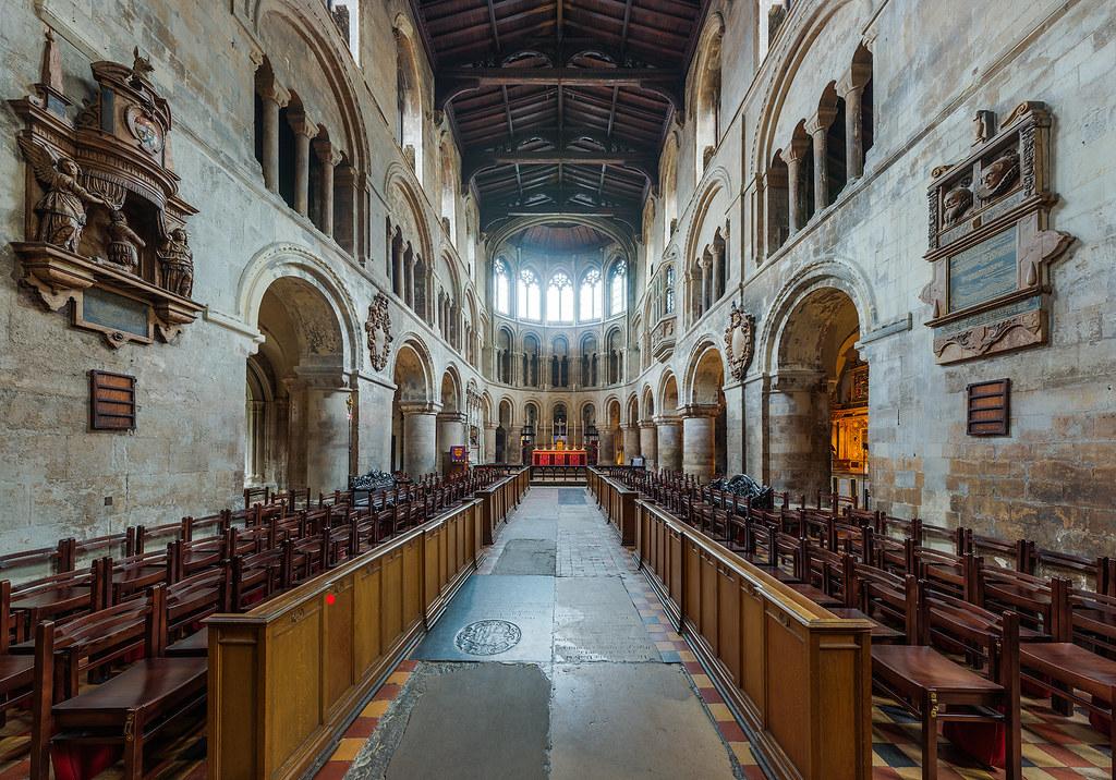 St_Bartholomew-the-Great_Altar,_London,_UK_-_Diliff