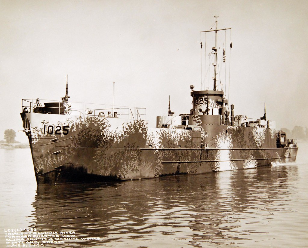 LCI(L)-1025, on trials on the Columbia River while at Albina Engine and Machinery Works, Portland, Oregon, June 9, 1944
