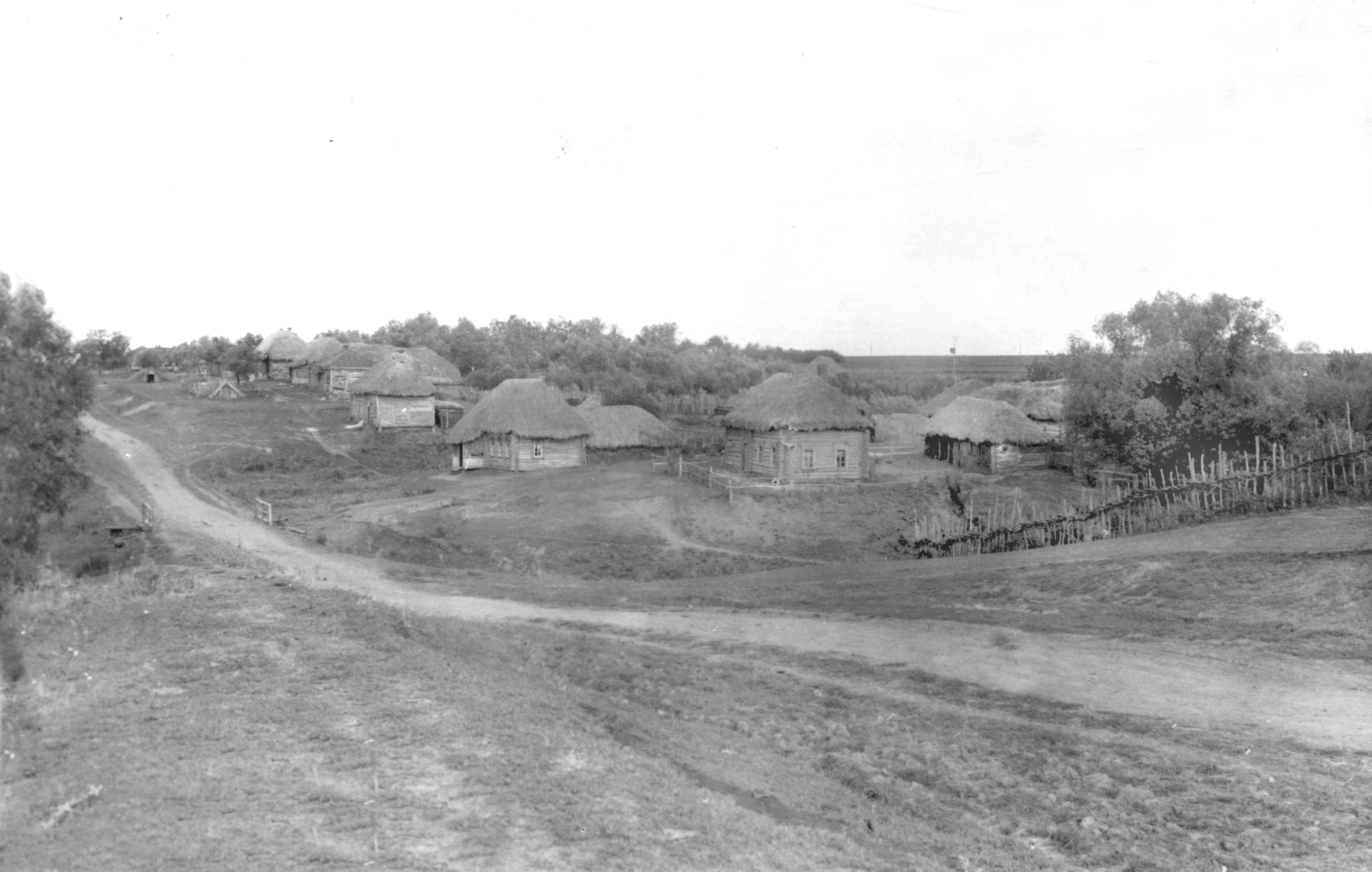 Вид на улицу Бугор с плотины Среднего пруда. Фотография В.Г. Чудинова. 1938 г.