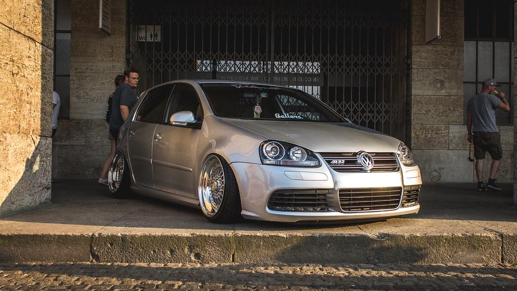VW Golf MK5 R32