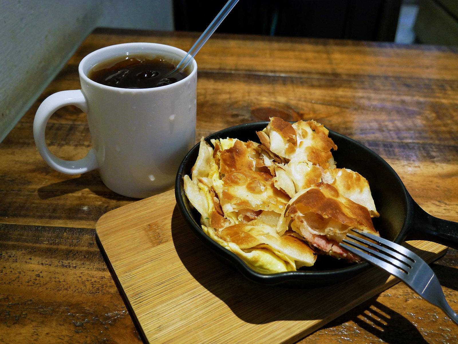 Peggy's Brunch 紅茶 鳳梨培根雙餡蛋餅