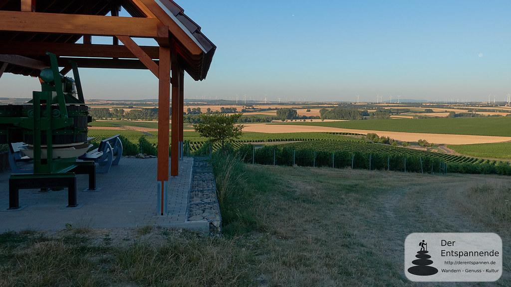 Weinkelter und Rast über dem Selztal