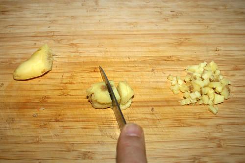 28 - Ingwer zerkleinern / Hackle ginger