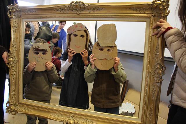 Museo de Artes en familia: 70 niños junto a sus familias descubrieron a los personajes ocultos dentro de las obras de la colección