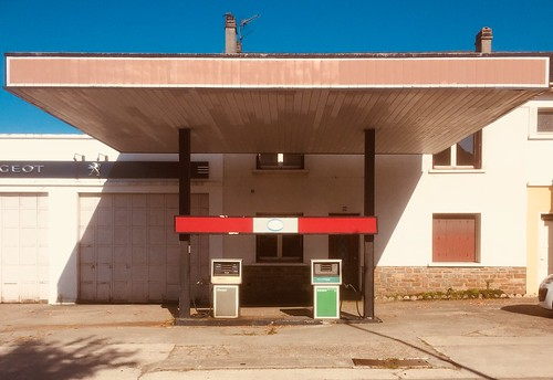 Petrol Station (Deserted)