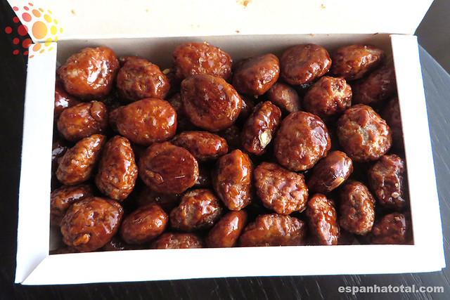 doces típicos de Madri: almendras garrapiñadas