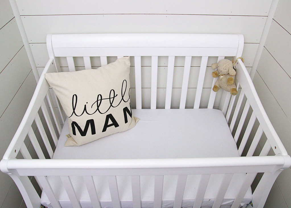White Mini Crib