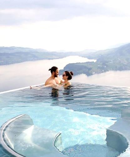 Pelin Akil ve Anıl Altan Sıcak Havuzda Aşk Tazeledi