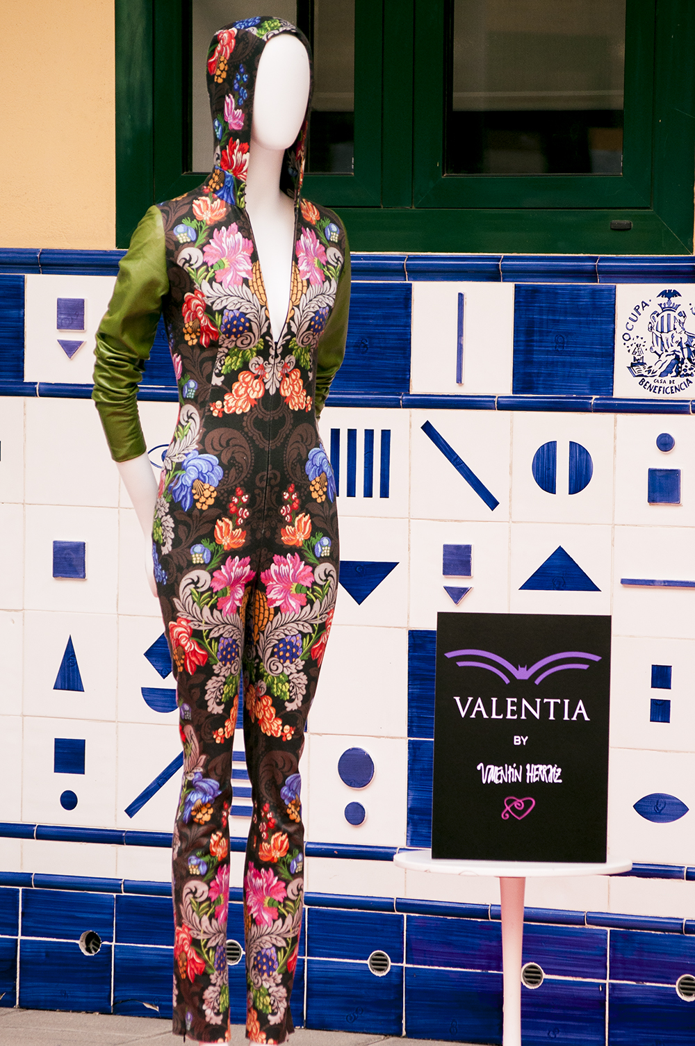 somethingfashion valencia spain bloggers influencers runway streetstyle pasareladelasartes silk unesco road fallera_0724