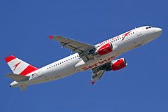 Austrian Airlines Airbus A320-216 OE-LXC LHR 30-06-18