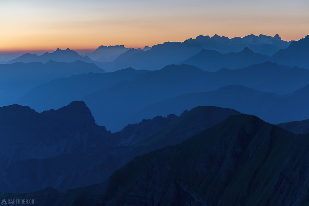 Mountains in the dawn - Brienzer Rothorn