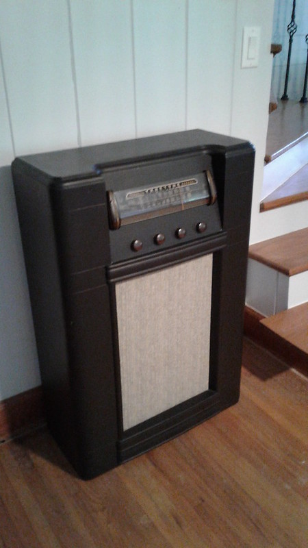 1948 Truetone Tube Radio