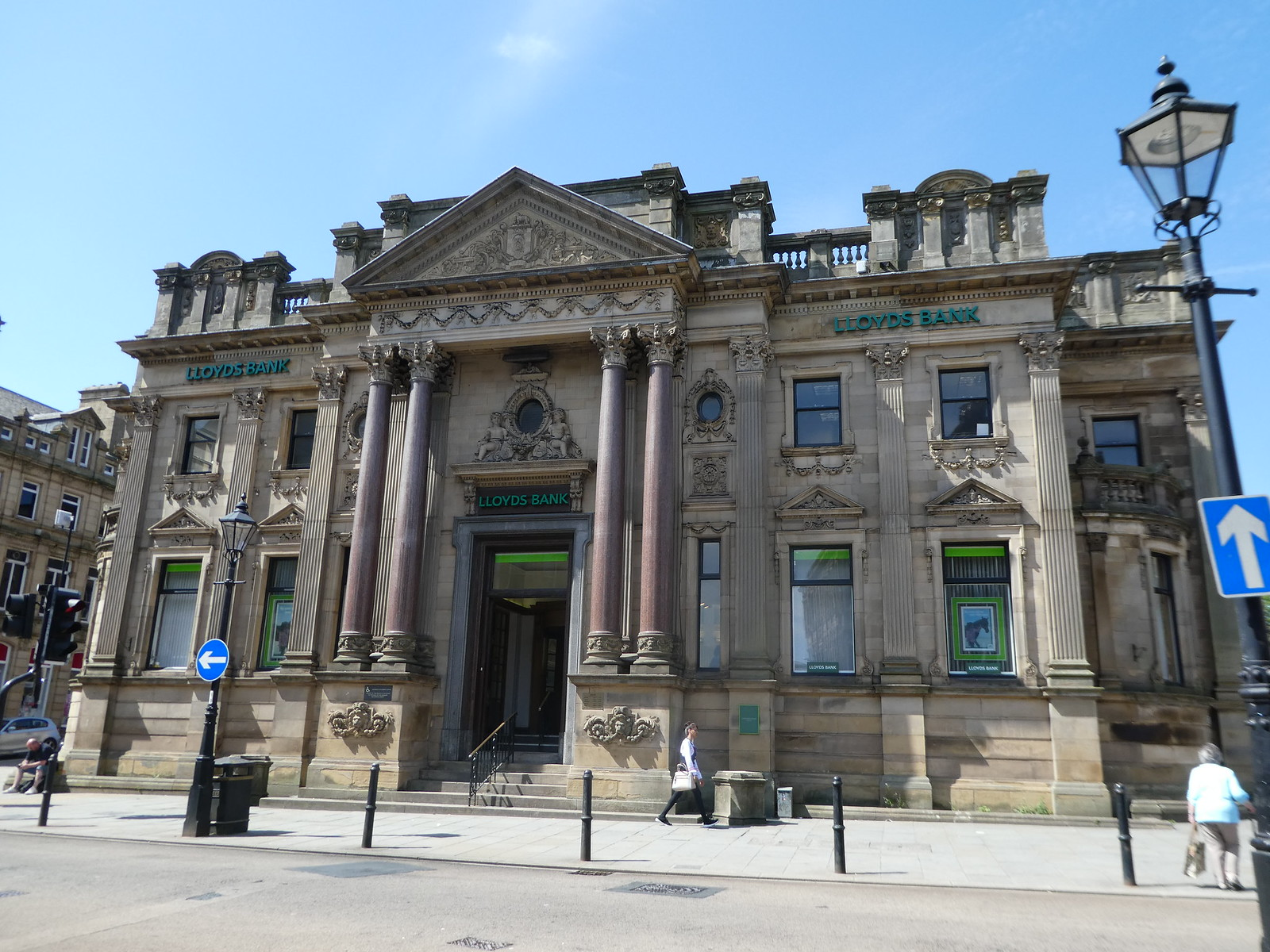 Lloyds Bank, Halifax town centre
