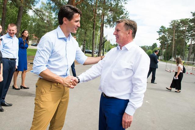 Ministru prezidenta Māra Kučinska un Kanādas premjera Džastina Trudo (Justin Trudeau) vizīte Ādažu poligonā