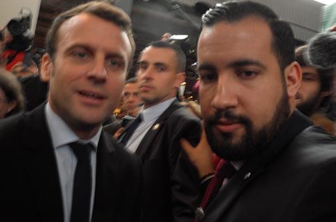 17c24 Macron Salón del Libro_0011 variante Uti 485