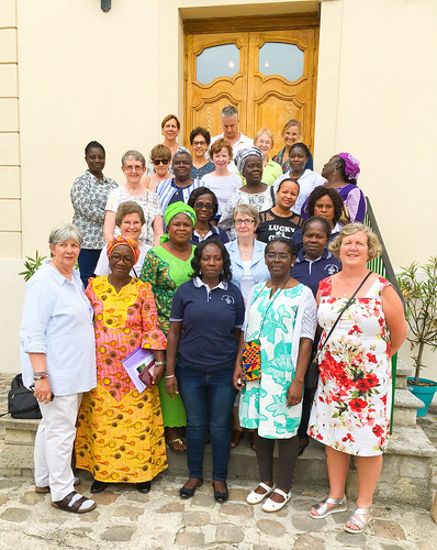 Associates and sisters pictured in front of Cours Bautain during the Associate Leadership International Meeting from May 27 to June 2, 2018