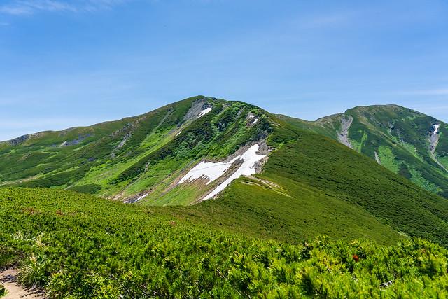 三俣蓮華岳の雪渓を巻いて行こう